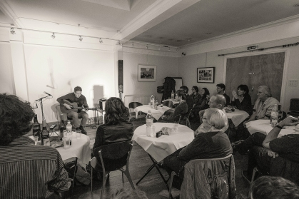 CliveCarroll Concert at Ritz Music, 8Nov2015, photo by Cristina Schek (43)