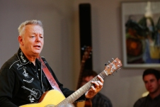 Tommy Emmanuel Masterclass, Ritz Music, 26Oct2014, photos by Cristina Schek (13)