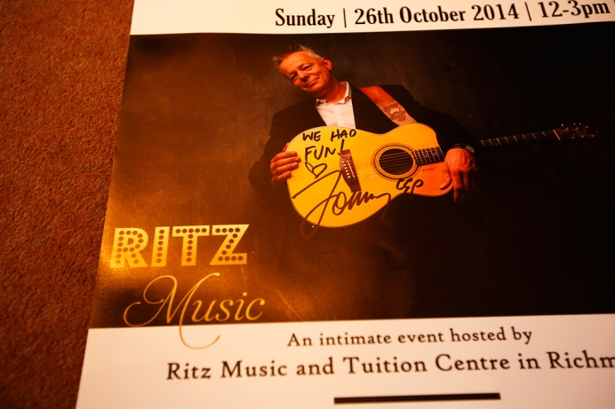 Tommy Emmanuel Masterclass, Ritz Music, 26Oct2014, photos by Cristina Schek (24)