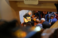 Tommy Emmanuel Masterclass, Ritz Music, 26Oct2014, photos by Cristina Schek (5)