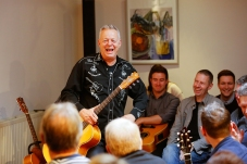 Tommy Emmanuel Masterclass, Ritz Music, 26Oct2014, photos by Cristina Schek (8)