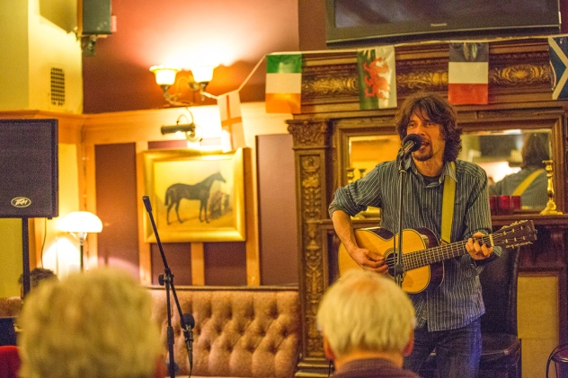 Noris Schek Concert at Duke's Head, Richmond, photo by Cristina Schek (11)