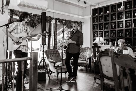 Noris Schek gig, The Tea Box, Richmond (2)